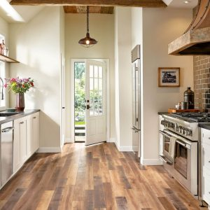 Laminate Kitchen | Christian Brothers Flooring & Interiors.